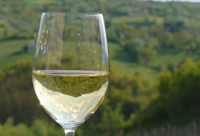 Glass of white wine | Donnachiara